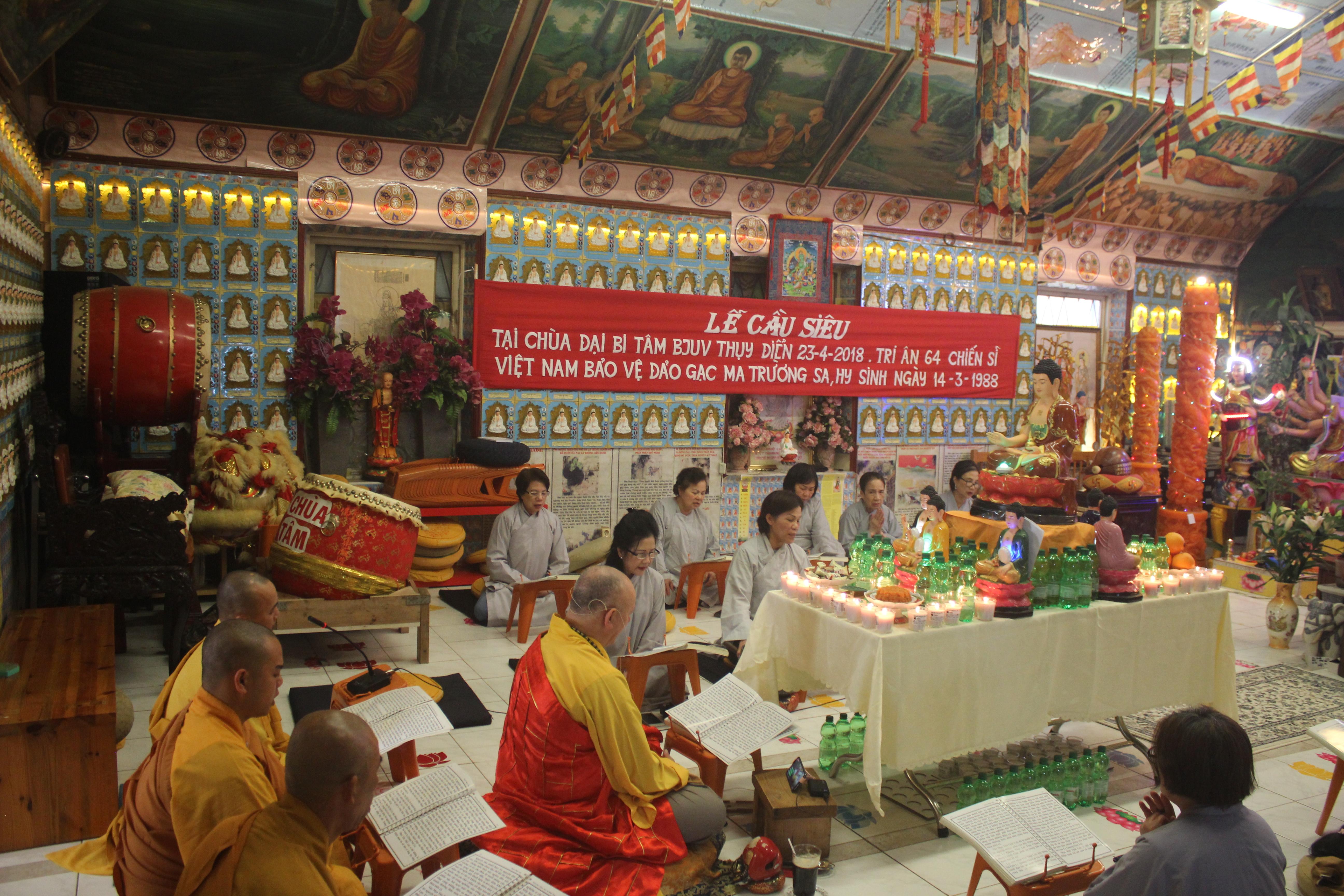 Người Việt ở Thụy Điển tổ chức Lễ cầu siêu cho các liệt sĩ hy sinh tại đảo Gạc Ma