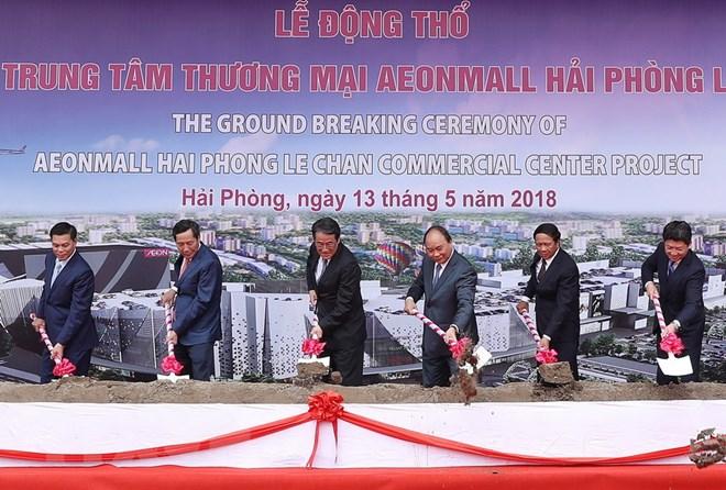 Thủ tướng thị sát một số công trình kinh tế trọng điểm tại Hải Phòng