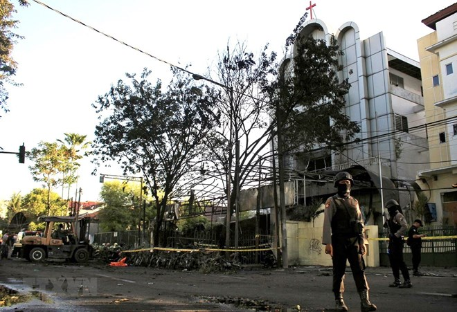 Khuyến cáo người Việt hạn chế đến Indonesia sau loạt vụ đánh bom
