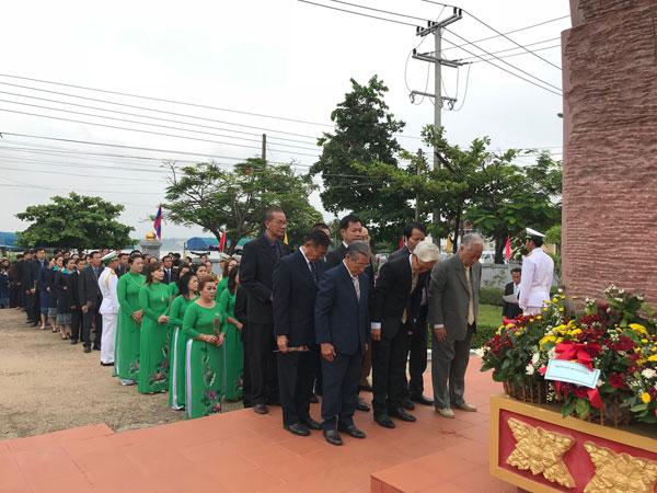 Tổng Lãnh sự VN tại Savanakhet tổ chức nhiều hoạt động kỷ niệm Ngày sinh nhật Bác