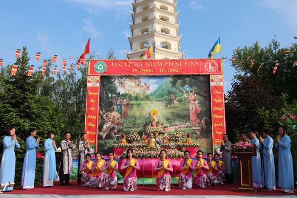 Chùa Trúc Lâm Kharkov, Ucraina tổ chức Đại lễ Phật đản