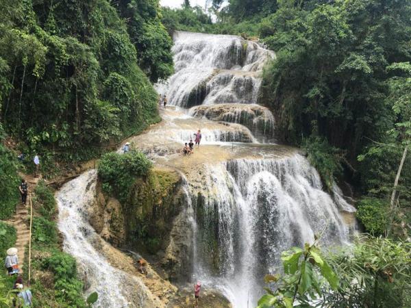 Khám phá thác Mu – Dải lụa trắng giữa xứ sở người Mường