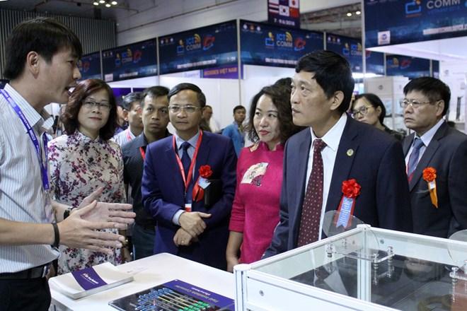 Doanh nghiệp Việt trình diễn công nghệ mới tại Vietnam ICTCOMM
