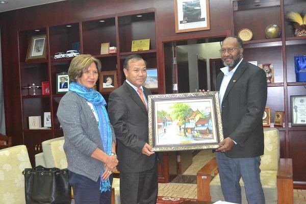 Thứ trưởng Bộ Ngoại giao Vũ Hồng Nam thăm và làm việc tại Vanuatu