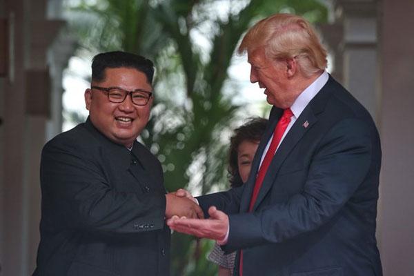 Tổng thống Mỹ Donald Trump và nhà lãnh đạo Triều Tiên hội đàm riêng