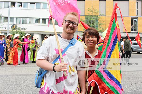Cộng đồng người Việt tại Frankfurt am Main tham gia
