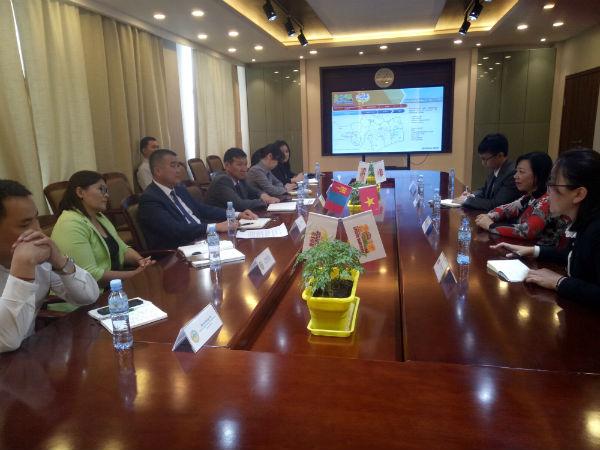 Thúc đẩy hợp tác giữa hai tỉnh Quảng Bình và Nghệ An với tỉnh Nam Gobi, Mông Cổ
