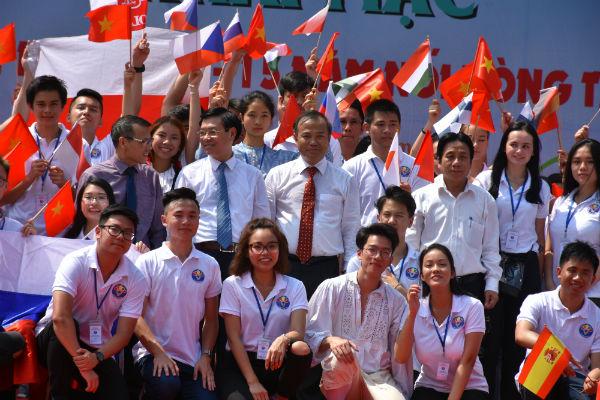 Khai mạc Trại hè Việt Nam 2018:Tuổi trẻ kiều bàonối vòng tay lớn