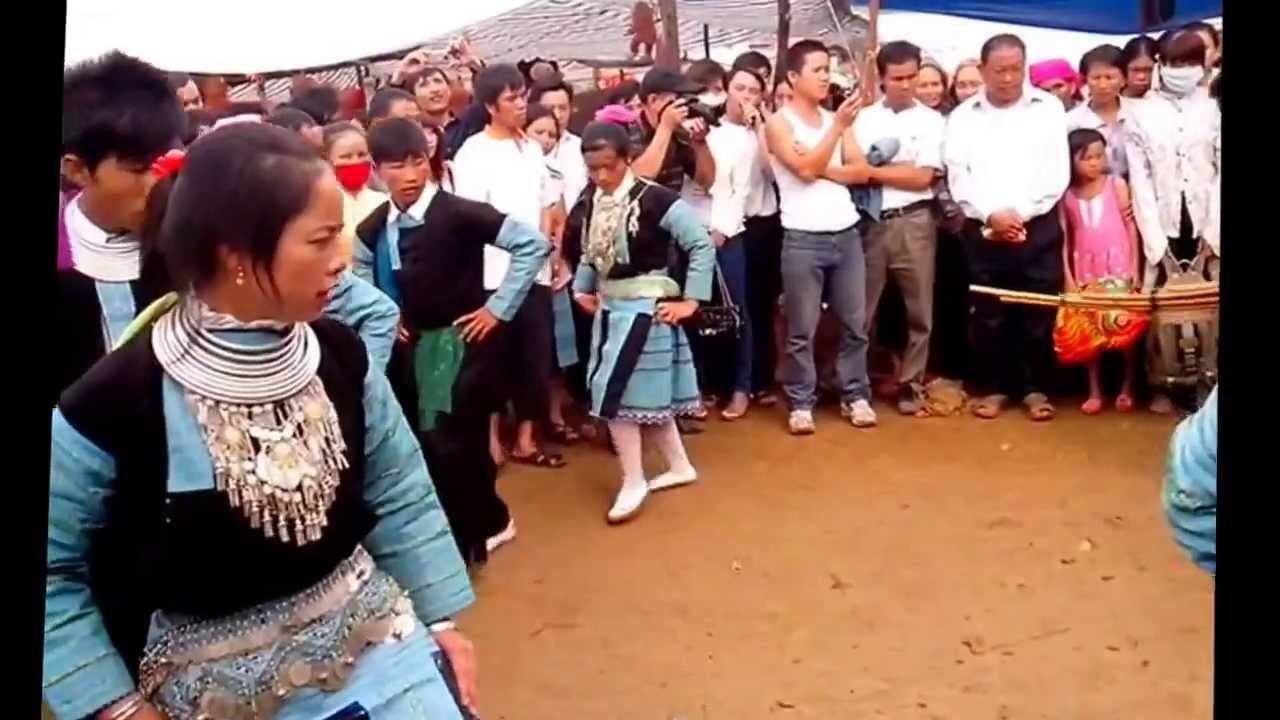 Chợ Tình Mộc Châu – Việt Nam