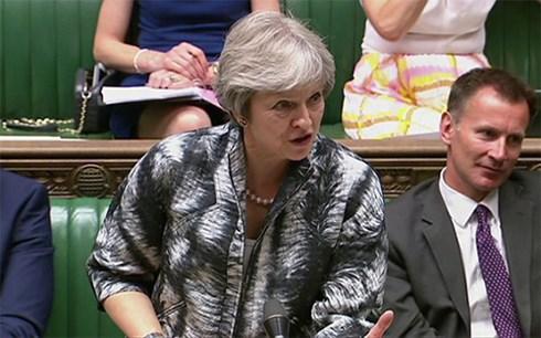 Chính trường Anh tiếp tục chao đảo vì làn sóng từ chức phản đối Brexit
