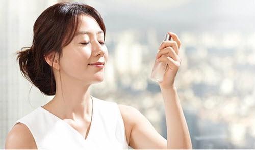 Muốn phục hồi làn da khô ráp, bong tróc trở nên mềm mịn, căng mướt, hãy nhớ kỹ 10 lời khuyên từ chuyên gia