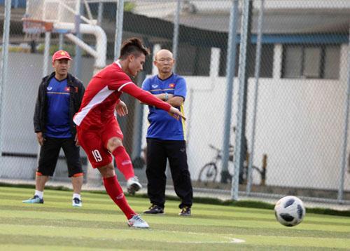 Gặp khó nhưng Olympic Việt Nam vẫn quyết thắng
