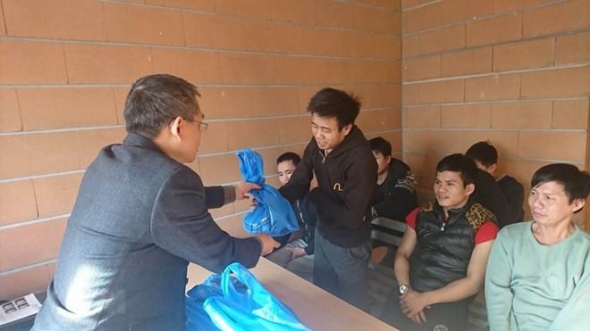 Bảo hộ công dân Việt Nam, triển khai kịp thời các biện pháp hỗ trợ