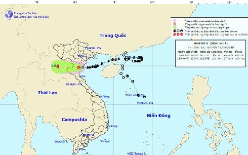 Áp thấp nhiệt đới trên đất liền suy yếu, gió vẫn giật mạnh