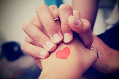 Còn yêu thương ở lại