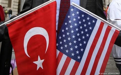 Thổ Nhĩ Kỳ cải thiện quan hệ với châu Âu khi căng thẳng với Mỹ