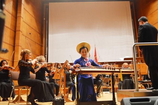 Giới thiệu hình ảnh đất nước, con người Việt Nam tại Bulgaria