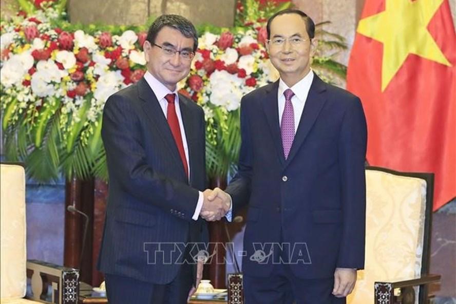 Chủ tịch Nước Trần Đại Quang tiếp Ngoại trưởng Nhật Bản Taro Kono