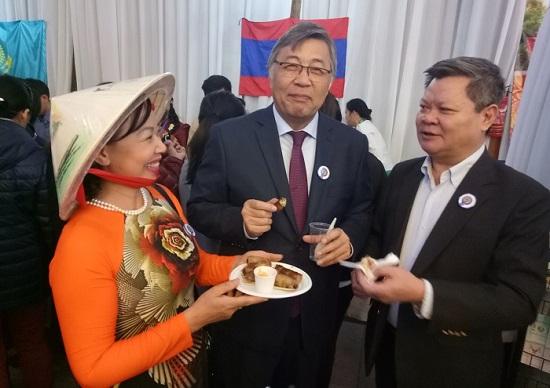 Việt Nam tham gia Hội chợ từ thiện tại Mông Cổ