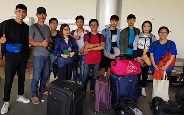 10 sinh viên Việt Nam tại vùng thảm họa Indonesia sẽ được đưa về Jakarta