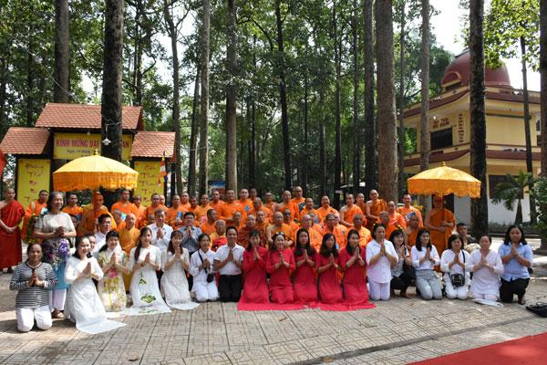 Đoàn Phật giáo Thái Lan thăm Học viện Phật giáo Tp. Hồ Chí Minh, chùa Bửu Quang