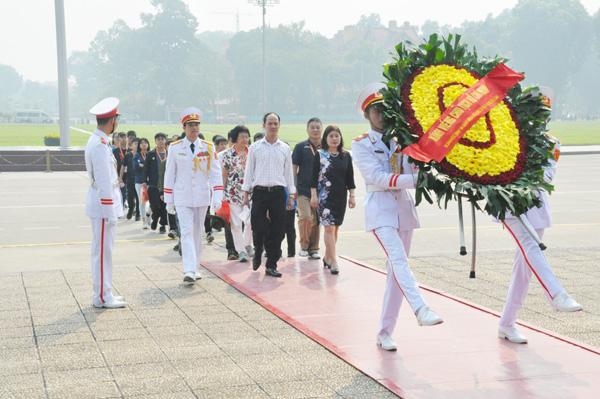Đoàn học sinh con em kiều bào Thành phố Cao Hùng-Đài Loan về thăm quê hương