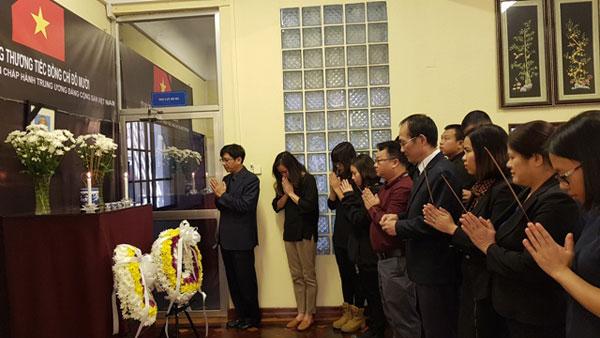 Đại sứ quán các nước tổ chức mở sổ tang, lễ viếng nguyên Tổng Bí thư Đỗ Mười