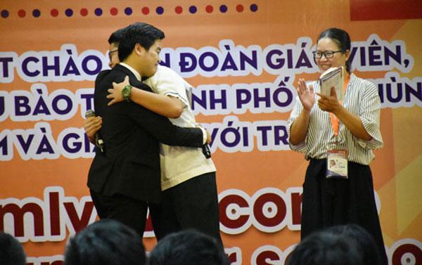 Đoàn học sinh kiều bào tại Đài Loan giao lưu với Trường Liên cấp Ngôi sao Hà Nội
