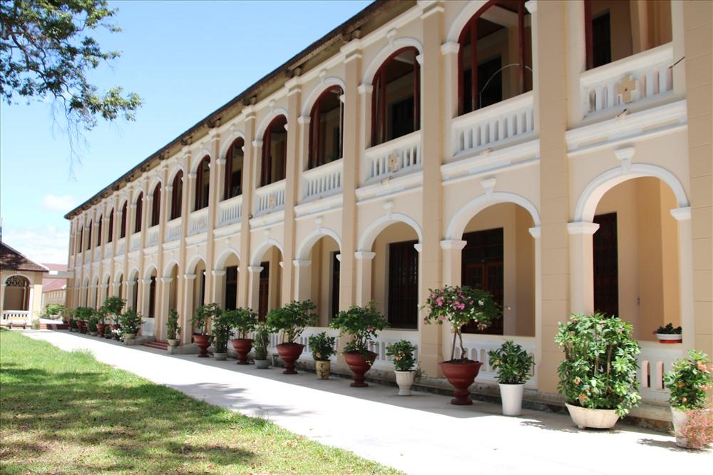 Nét đẹp cổ kính ở Tiểu chủng viện Làng Sông