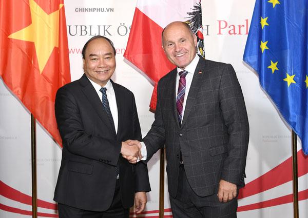 Thủ tướng hội kiến Chủ tịch Quốc hội, chào xã giao Tổng thống Áo