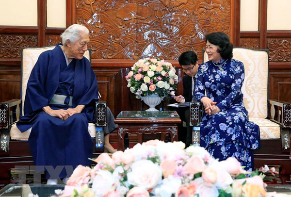 Quyền Chủ tịch nước tiếp Trưởng môn phái trà đạo Urasenke Nhật Bản