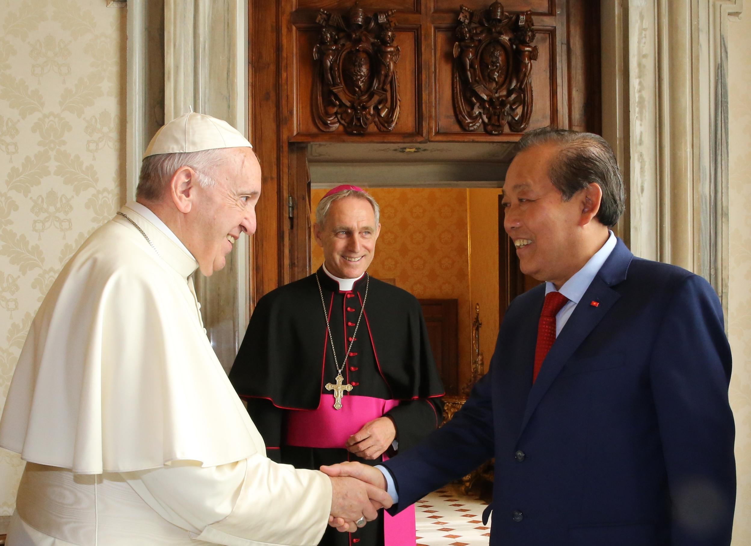 Phó Thủ tướng Trương Hòa Bình hội kiến Giáo hoàng Francis