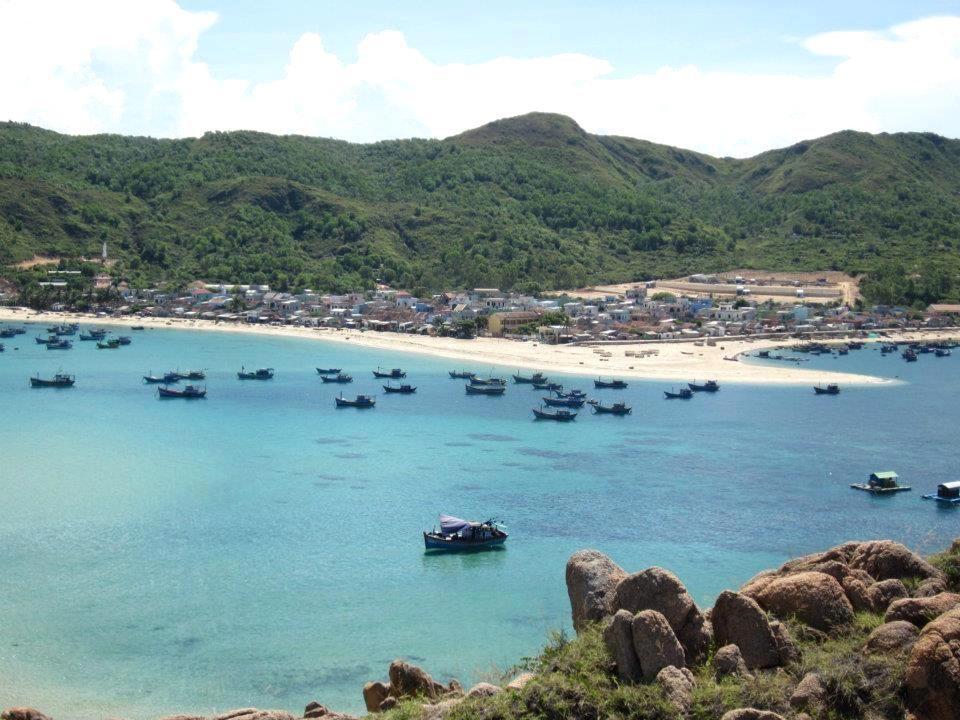 """Lặn ngắm san hô, chinh phục núi đá, xem rùa biển """"vượt cạn"""" ở Hòn Khô"""