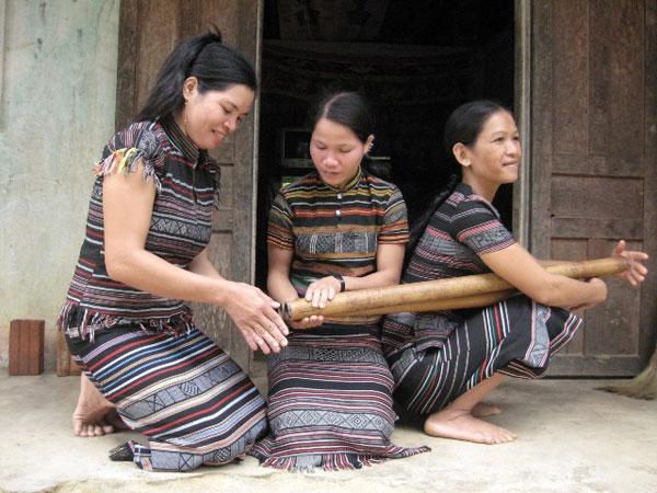 Vinh-vút: Nhạc cụ giữ hồn tre nứa của người H'rê