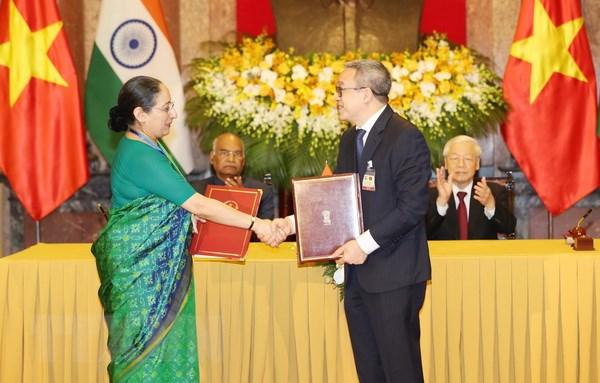 Tổng thống Ấn Độ: Tình cảm của người dân Việt đã chạm đến trái tim tôi