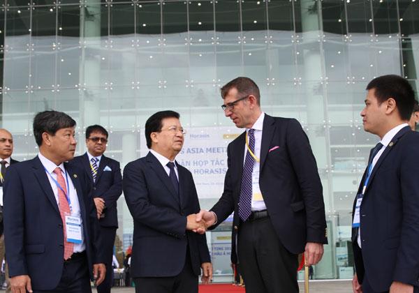 Việt Nam cam kết tạo môi trường kinh doanh thuận lợi hơn