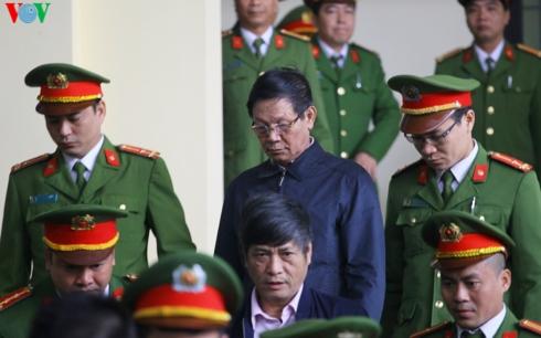 Phan Văn Vĩnh bị phạt 9 năm tù, Nguyễn Thanh Hóa lĩnh 10 năm tù