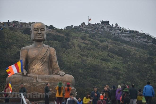 Giảm 50% phí cáp treo lên Yên Tử dịp Đại lễ tưởng niệm Trần Nhân Tông