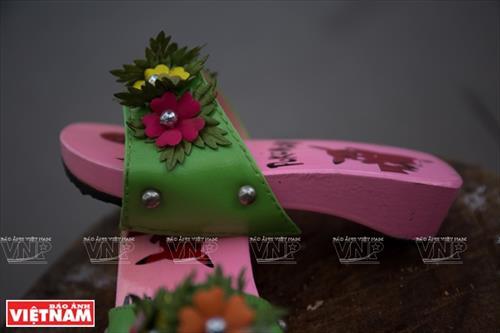 Guốc mộc Phú Văn