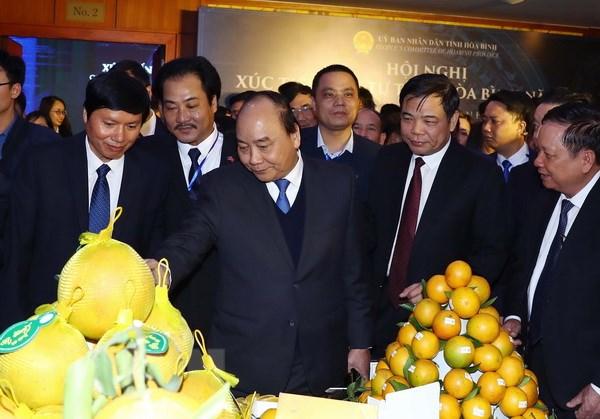 Thủ tướng yêu cầu Hòa Bình phát triển du lịch gắn với bản sắc văn hóa