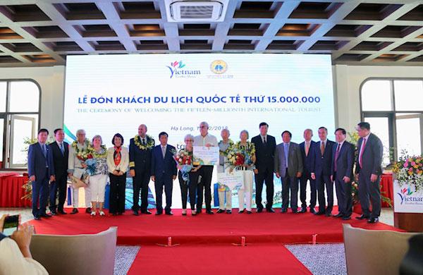 Việt Nam đón vị khách quốc tế thứ 15 triệu, hoàn thành mục tiêu lớn