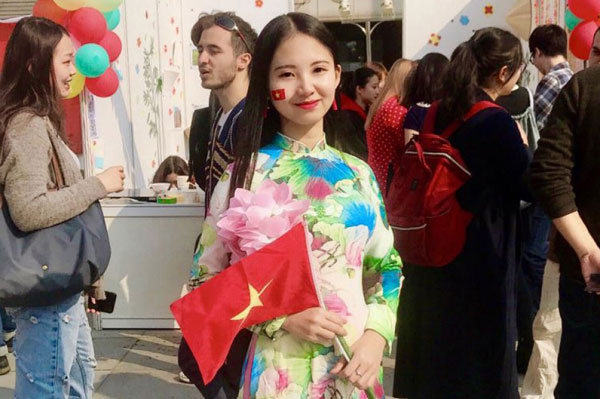 Cô gái Việt mơ làm sứ giả hữu nghị