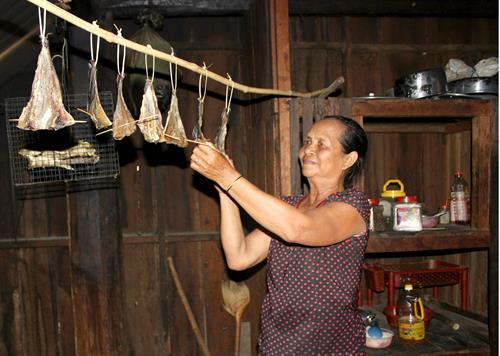 Thịt, cá gác bếp - món ngon đãi khách của người Tây Nguyên