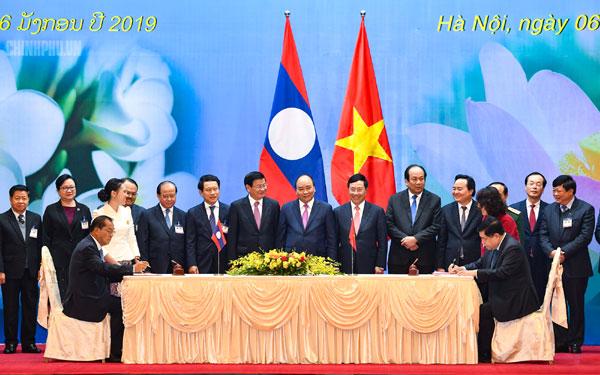 Việt - Lào phấn đấu tăng ít nhất 10% kim ngạch thương mại năm 2019