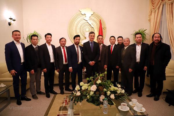 Đại sứ Nguyễn Minh Vũ gặp mặt cộng đồng người Việt tại Đức