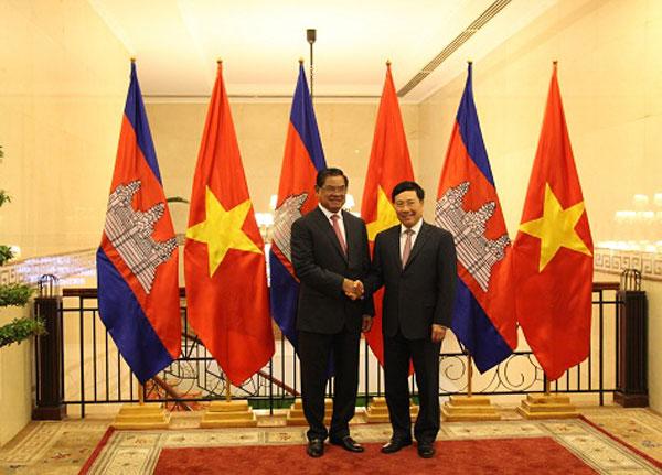 Xây dựng đường biên giới Việt Nam-Campuchia hòa bình, phát triển