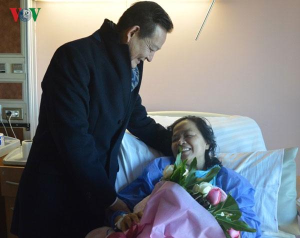 Hạnh phúc ngày trở về của người Việt bị đánh bom khủng bố ở Ai Cập