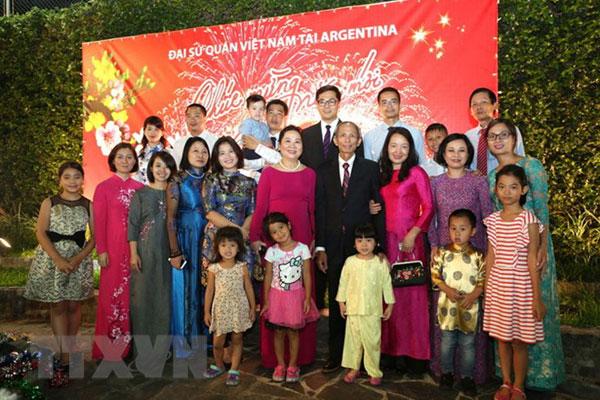Đại sứ quán Việt Nam tại Argentina tổ chức Tết cộng đồng 2019