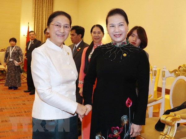 Chủ tịch Quốc hội Nguyễn Thị Kim Ngân hội kiến Chủ tịch Quốc hội Lào