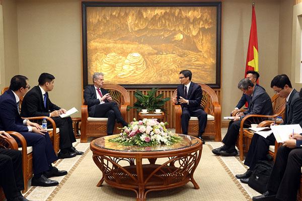 Phó Thủ tướng Vũ Đức Đam tiếp Chủ tịch Microsoft châu Á